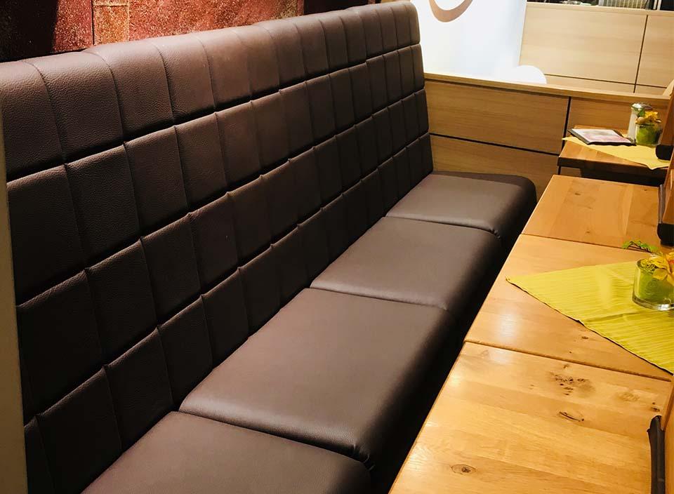 leibbrand neue bez ge f r die sitzbank und st hle im caf mack in schorndorf. Black Bedroom Furniture Sets. Home Design Ideas